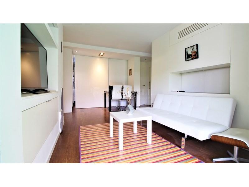 Fantástico piso de 3 habitaciones con piscina, parking y trastero en Gavà 14