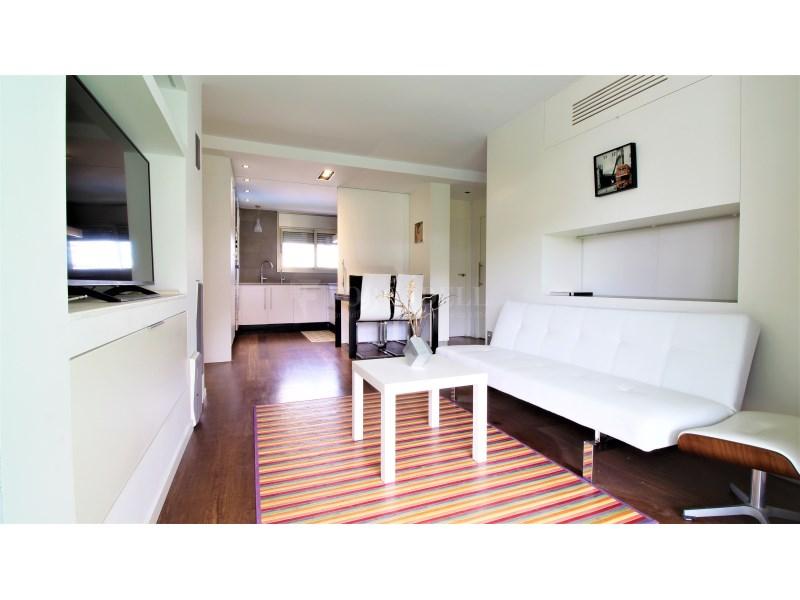 Fantástico piso de 3 habitaciones con piscina, parking y trastero en Gavà 15
