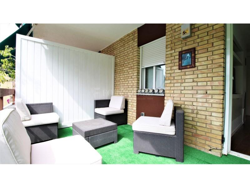 Fantástico piso de 3 habitaciones con piscina, parking y trastero en Gavà 16