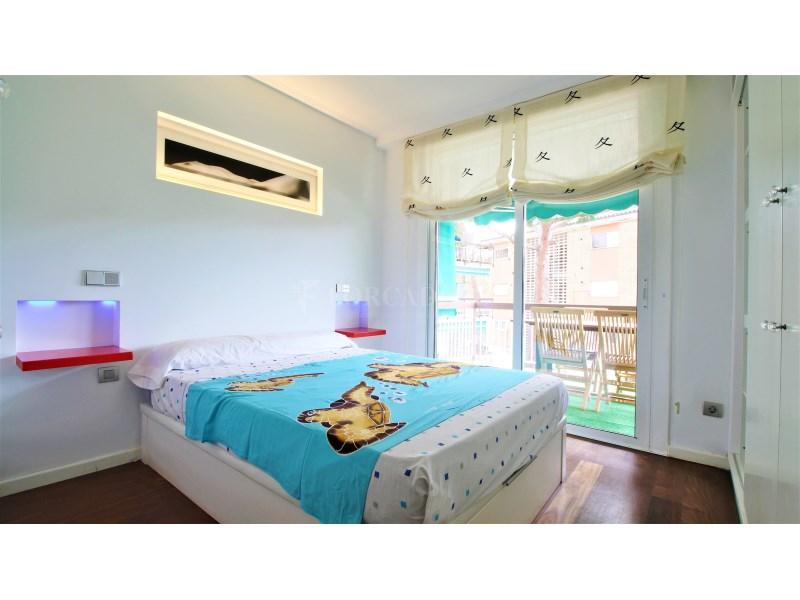 Fantástico piso de 3 habitaciones con piscina, parking y trastero en Gavà 21