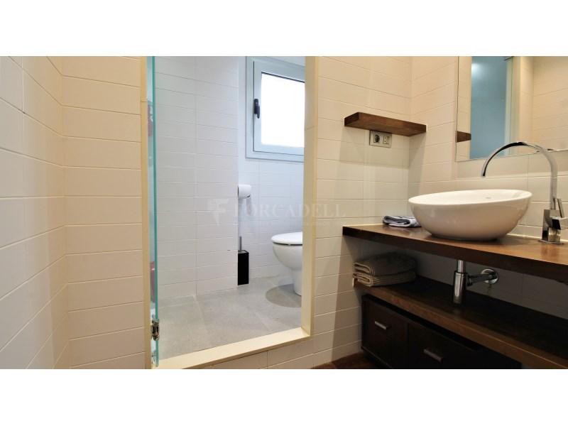 Fantástico piso de 3 habitaciones con piscina, parking y trastero en Gavà 30