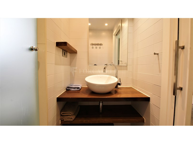 Fantástico piso de 3 habitaciones con piscina, parking y trastero en Gavà 31