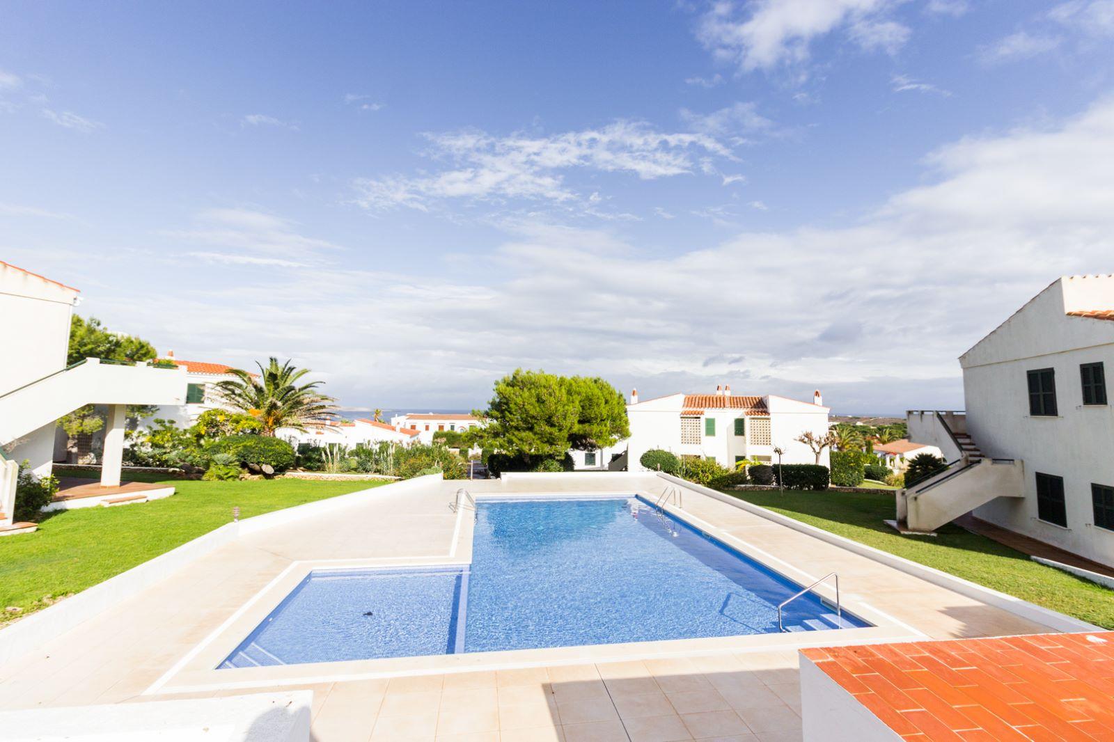 Appartement à Arenal d'en Castell Ref: M8495 14