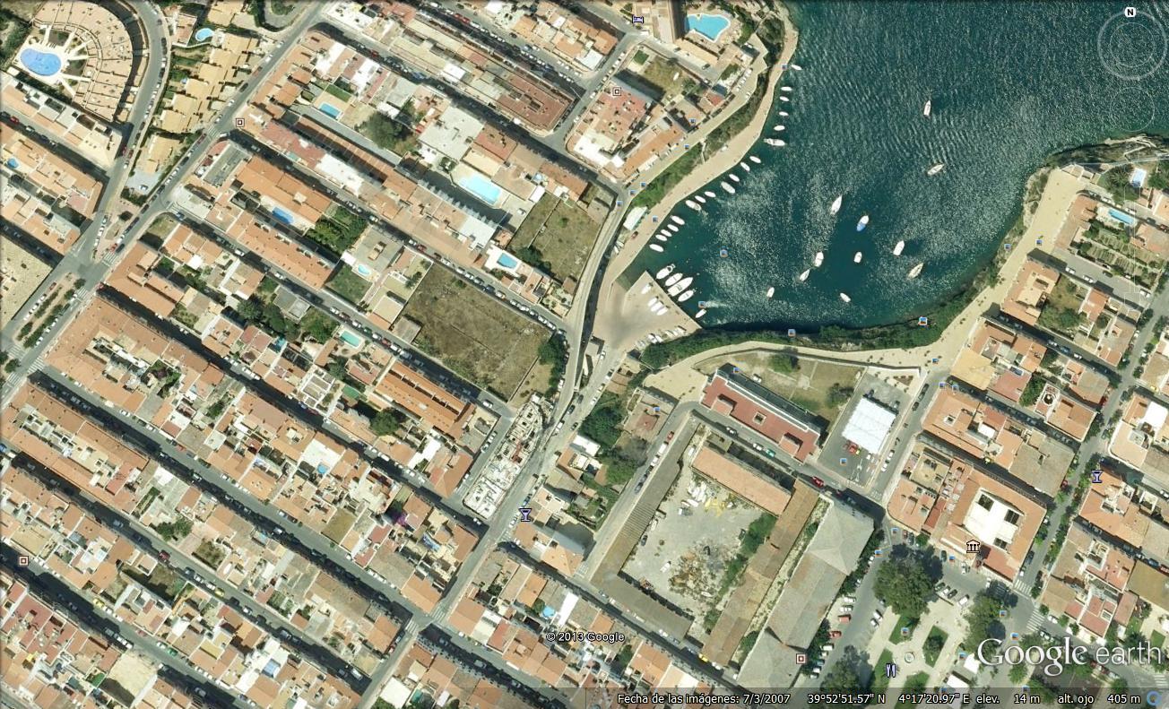 Plot in Es Castell Ref: M693 1
