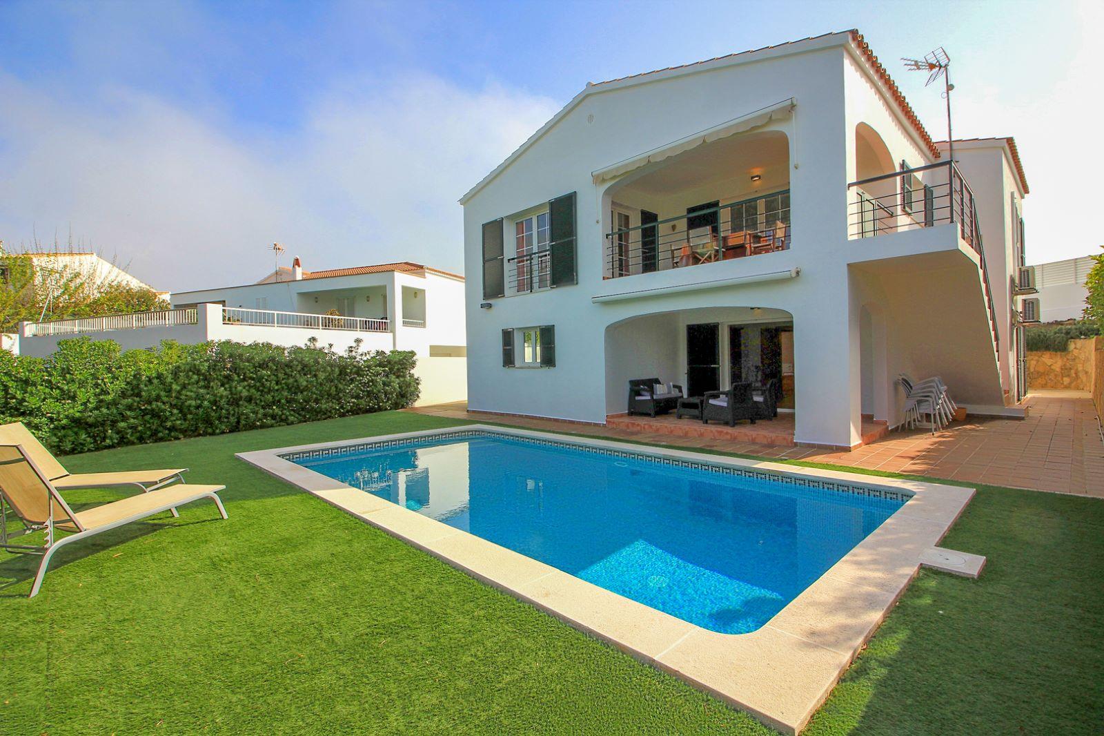 Villa in Cala Llonga Ref: M7779 1