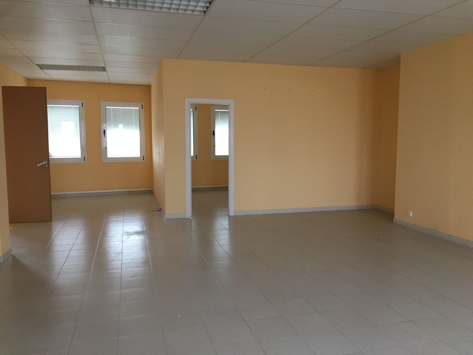 Local comercial en Zona Poligono (Poima) Ref: M7849 2