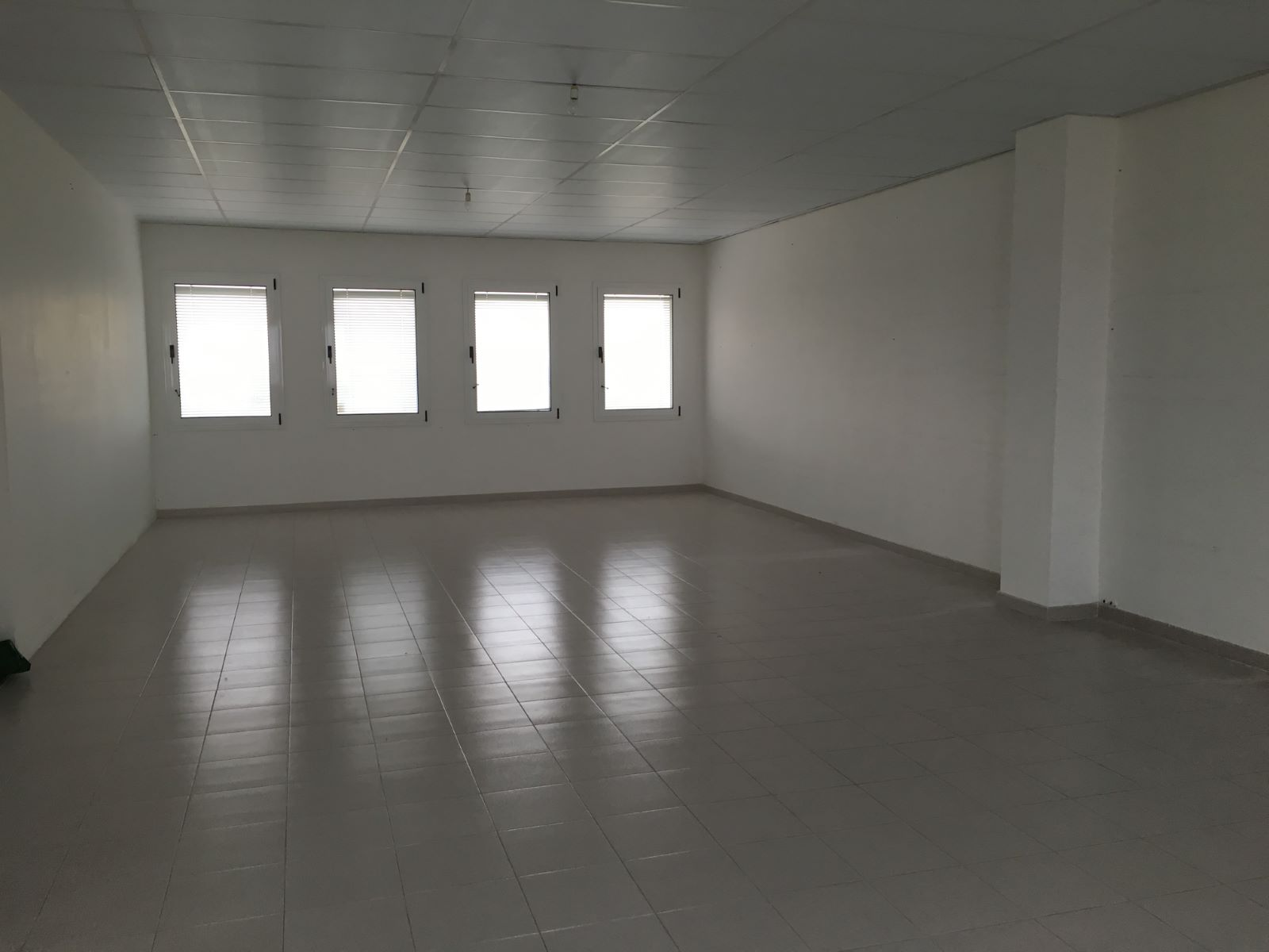 Local comercial en Zona Poligono (Poima) Ref: M7849 5