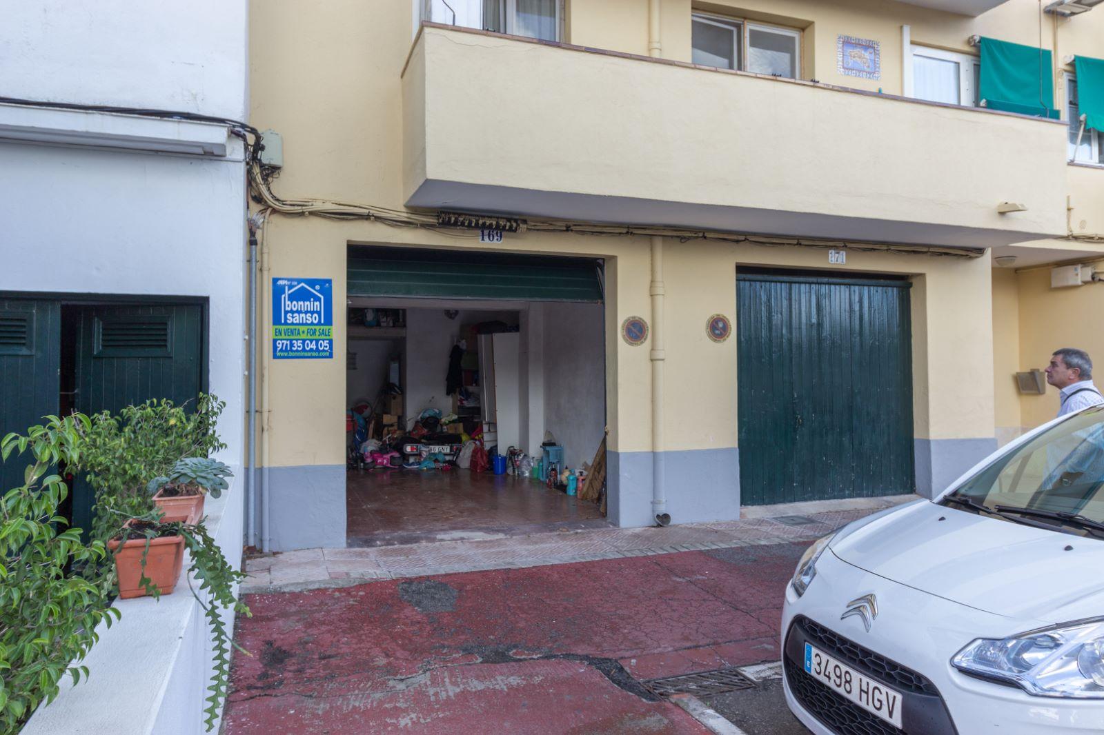 garage zu verkaufen in mah n m8007 portal menorca. Black Bedroom Furniture Sets. Home Design Ideas