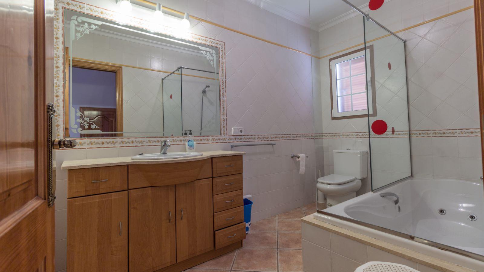 Villa in Arenal d'en Castell Ref: M8038 12