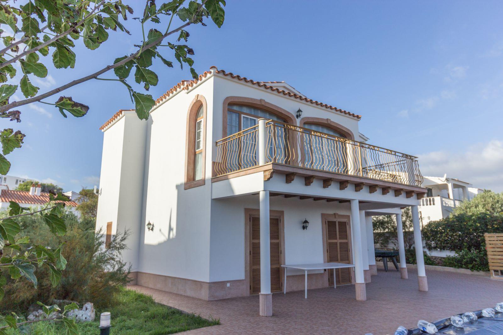 Villa in Arenal d'en Castell Ref: M8038 2