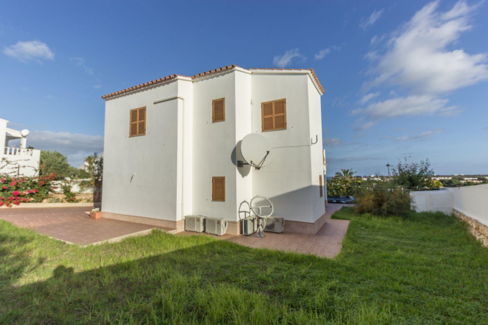 Villa in Arenal d'en Castell Ref: M8038 16