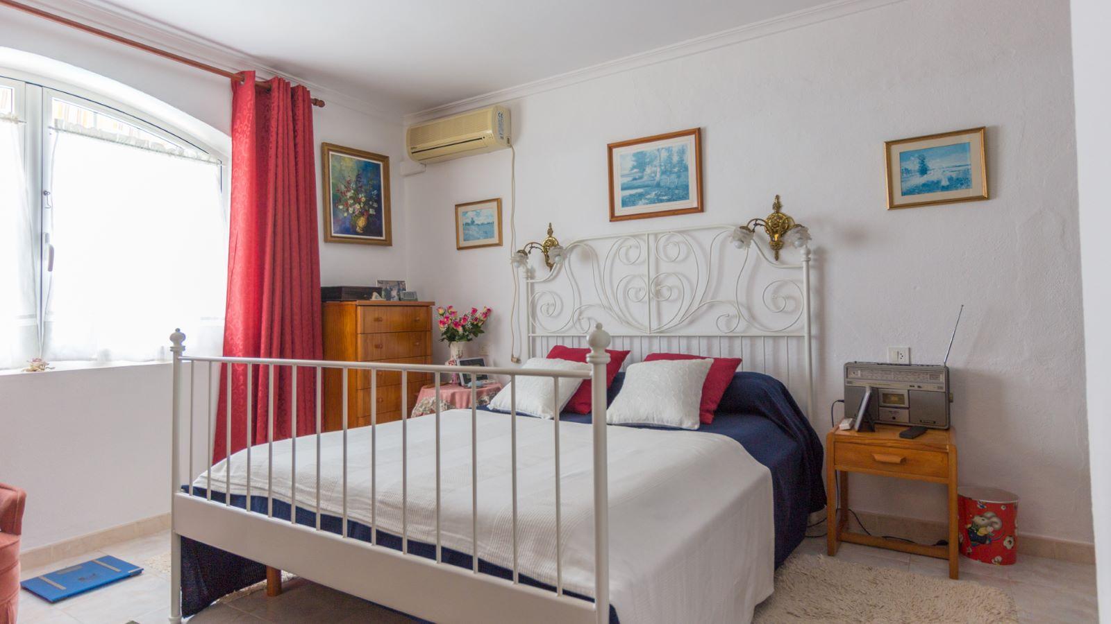 Villa in Cala'n Porter Ref: M8159 8
