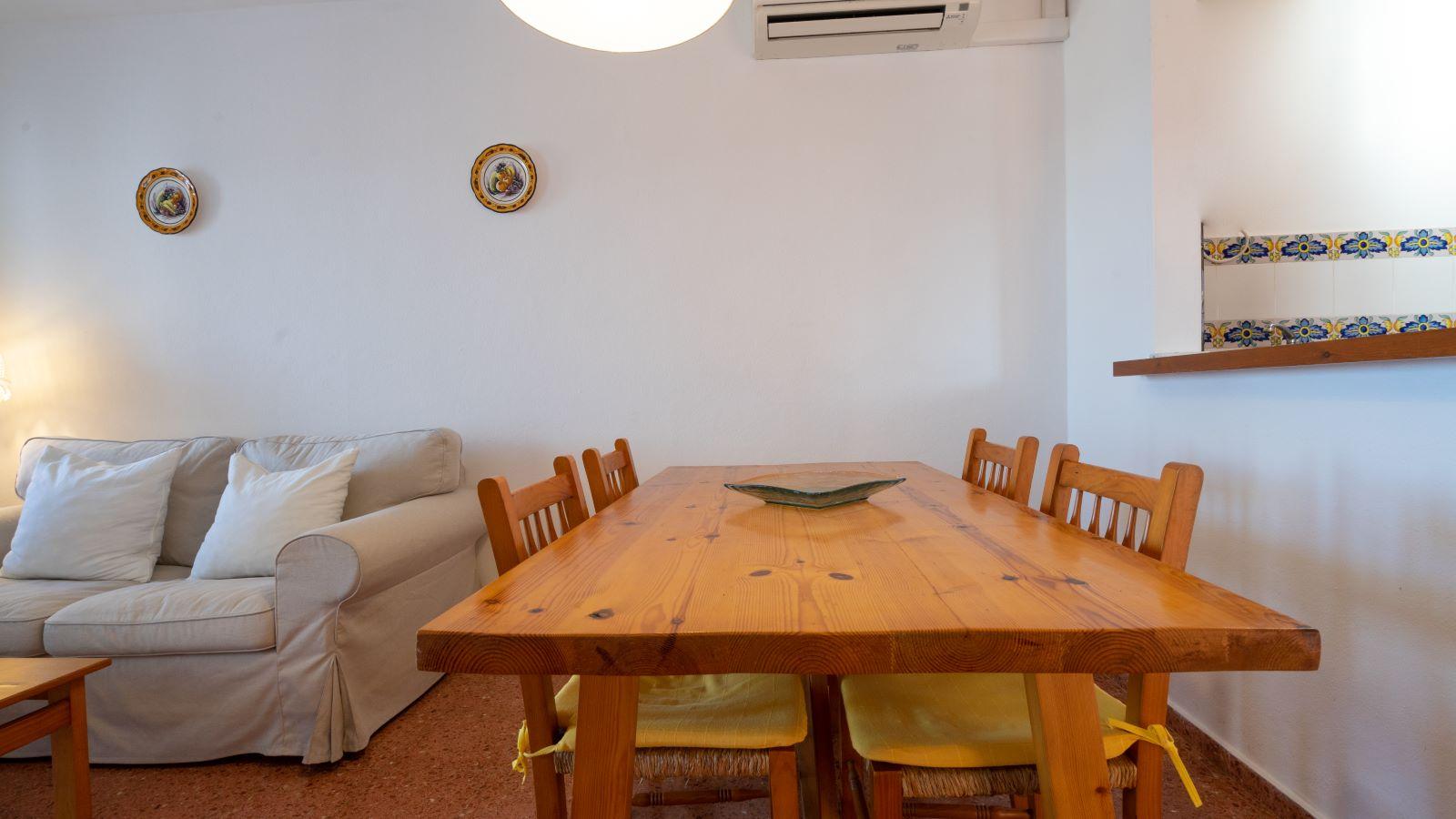 Apartment in Cala Canutells Ref: V2691 10