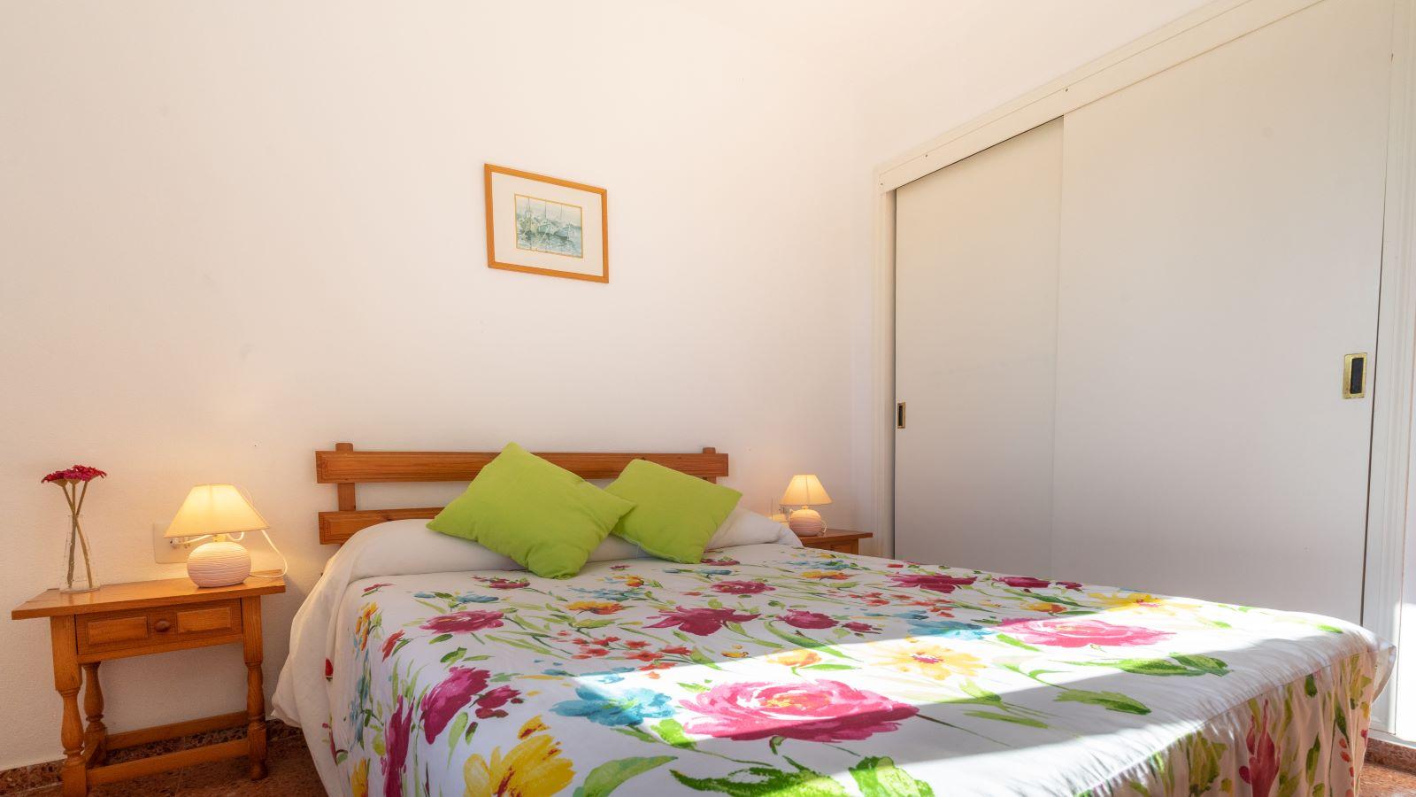 Apartment in Cala Canutells Ref: V2691 13