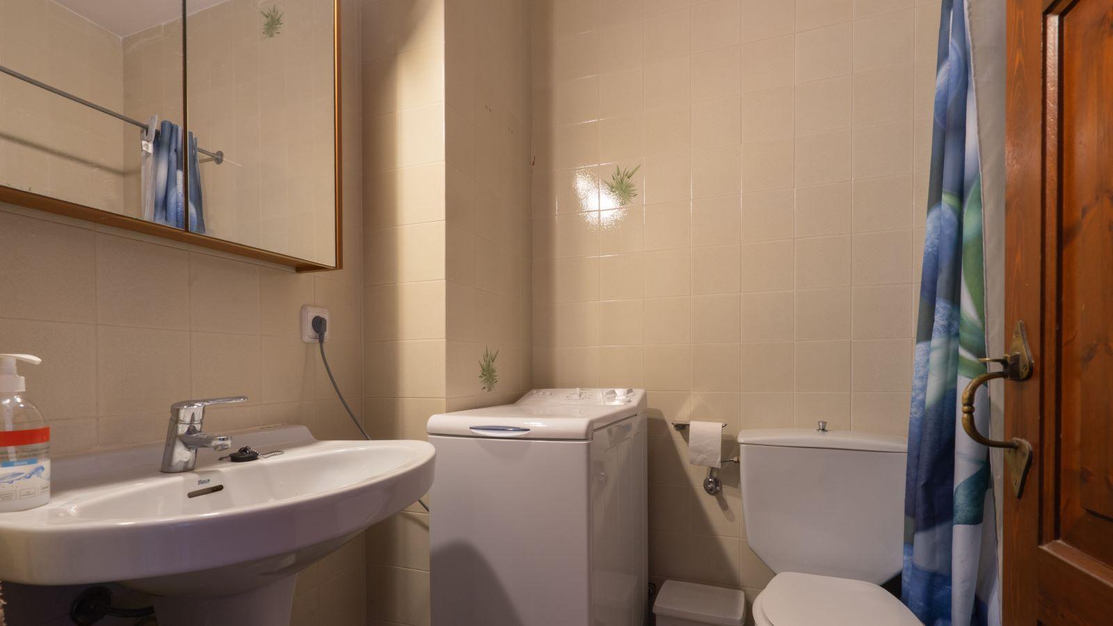 Apartment in Cala'n Porter Ref: V2709 12