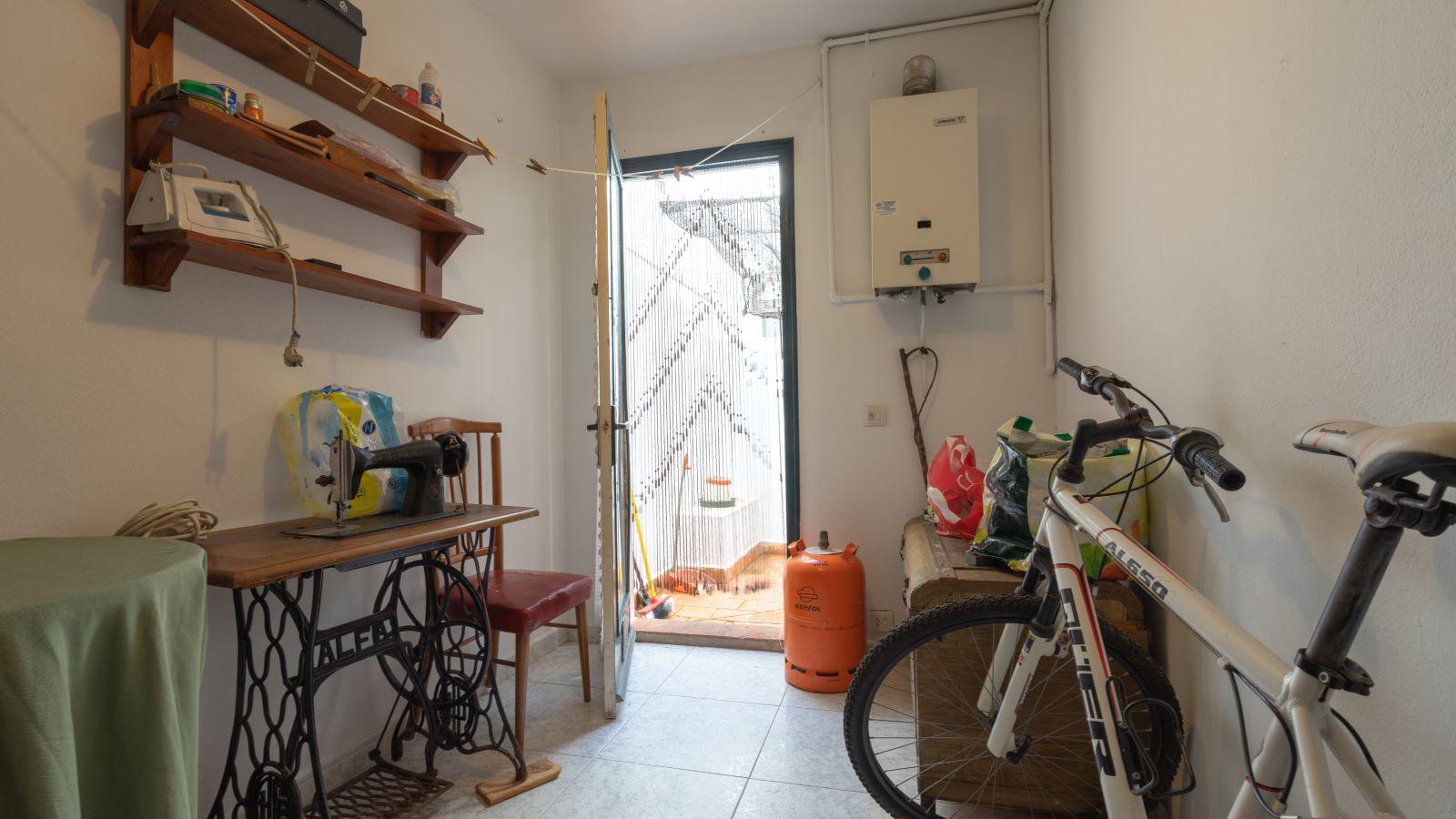 Flat in Es Castell Ref: V2717 11