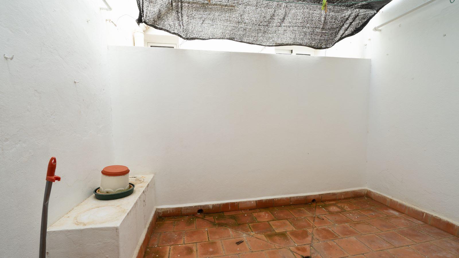 Flat in Es Castell Ref: V2717 12
