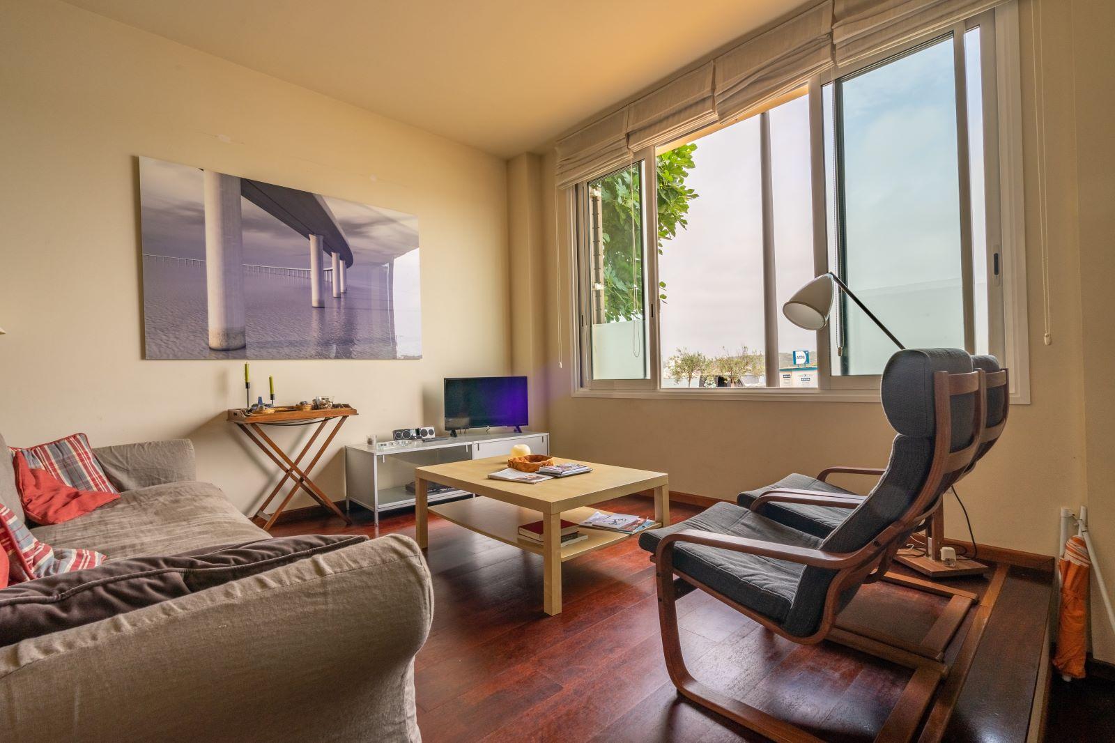 Apartment in Mahón Ref: V2804 2