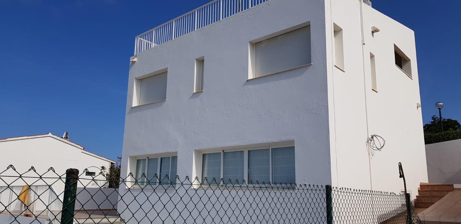 Villa in Arenal d'en Castell Ref: V2860 4