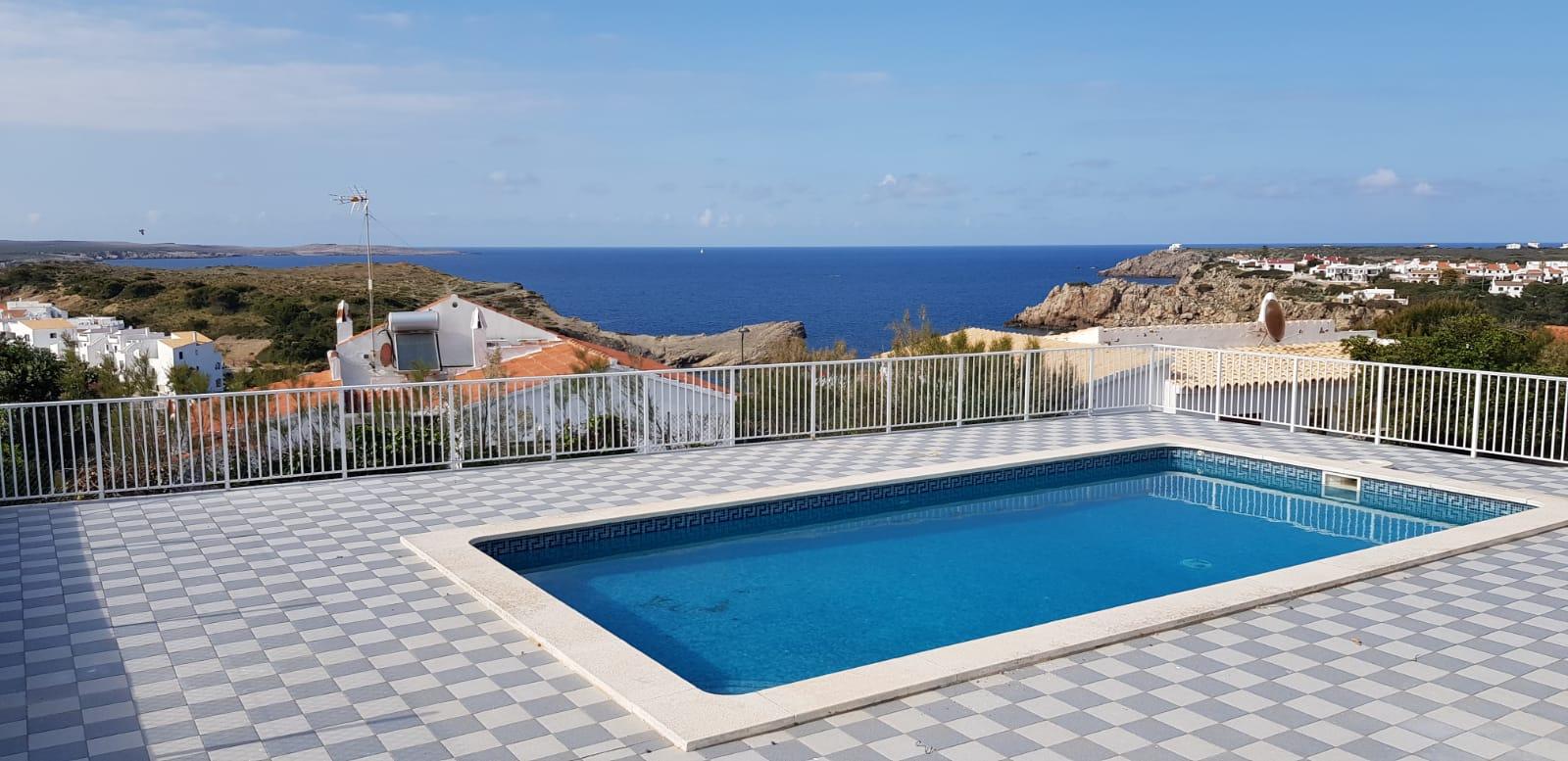 Villa in Arenal d'en Castell Ref: V2860 3