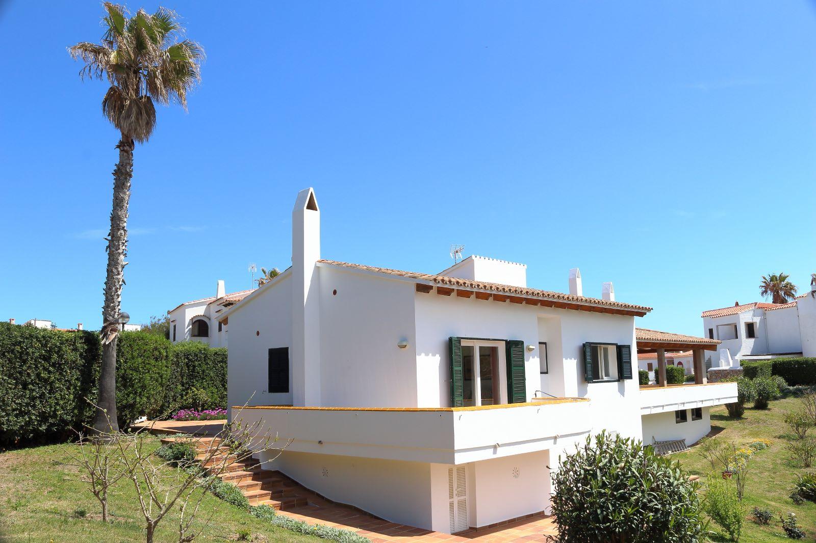 Villa in Arenal d'en Castell Ref: V2147 5