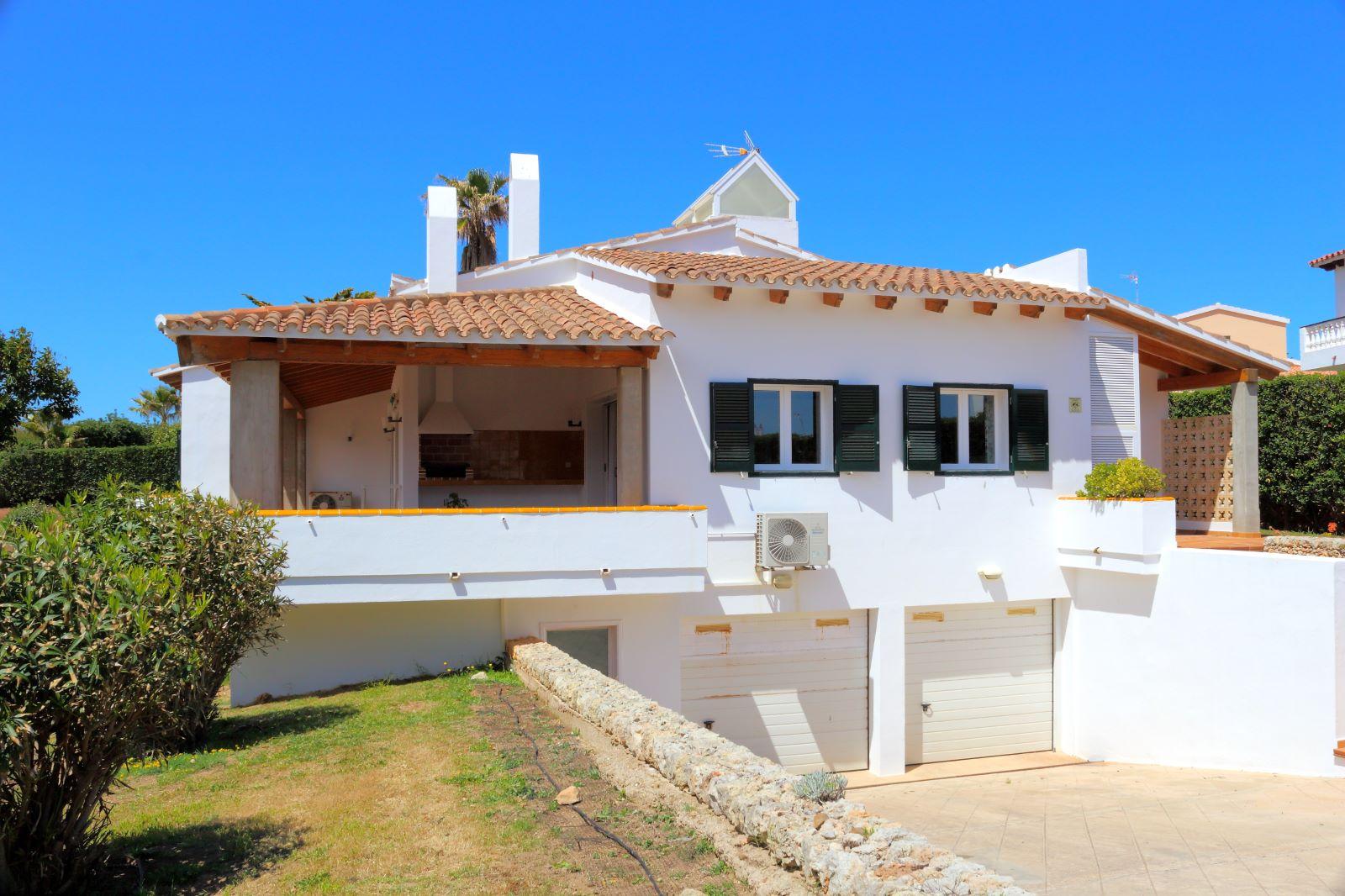 Villa in Arenal d'en Castell Ref: V2147 6
