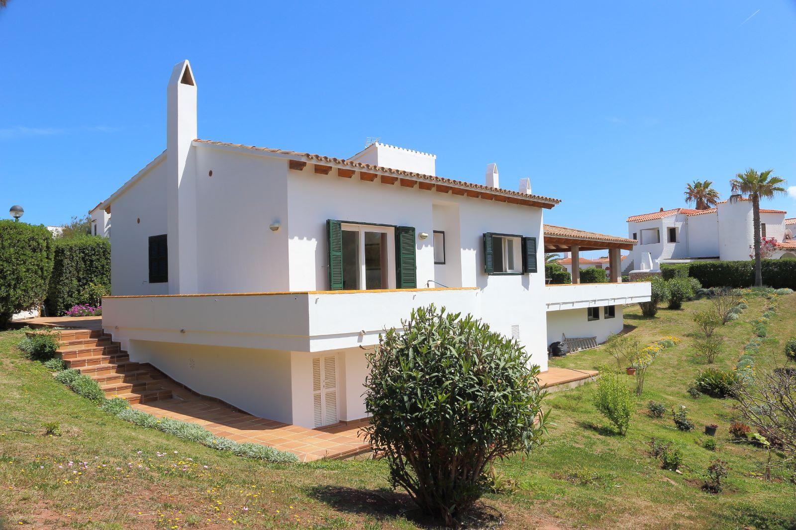 Villa in Arenal d'en Castell Ref: V2147 7
