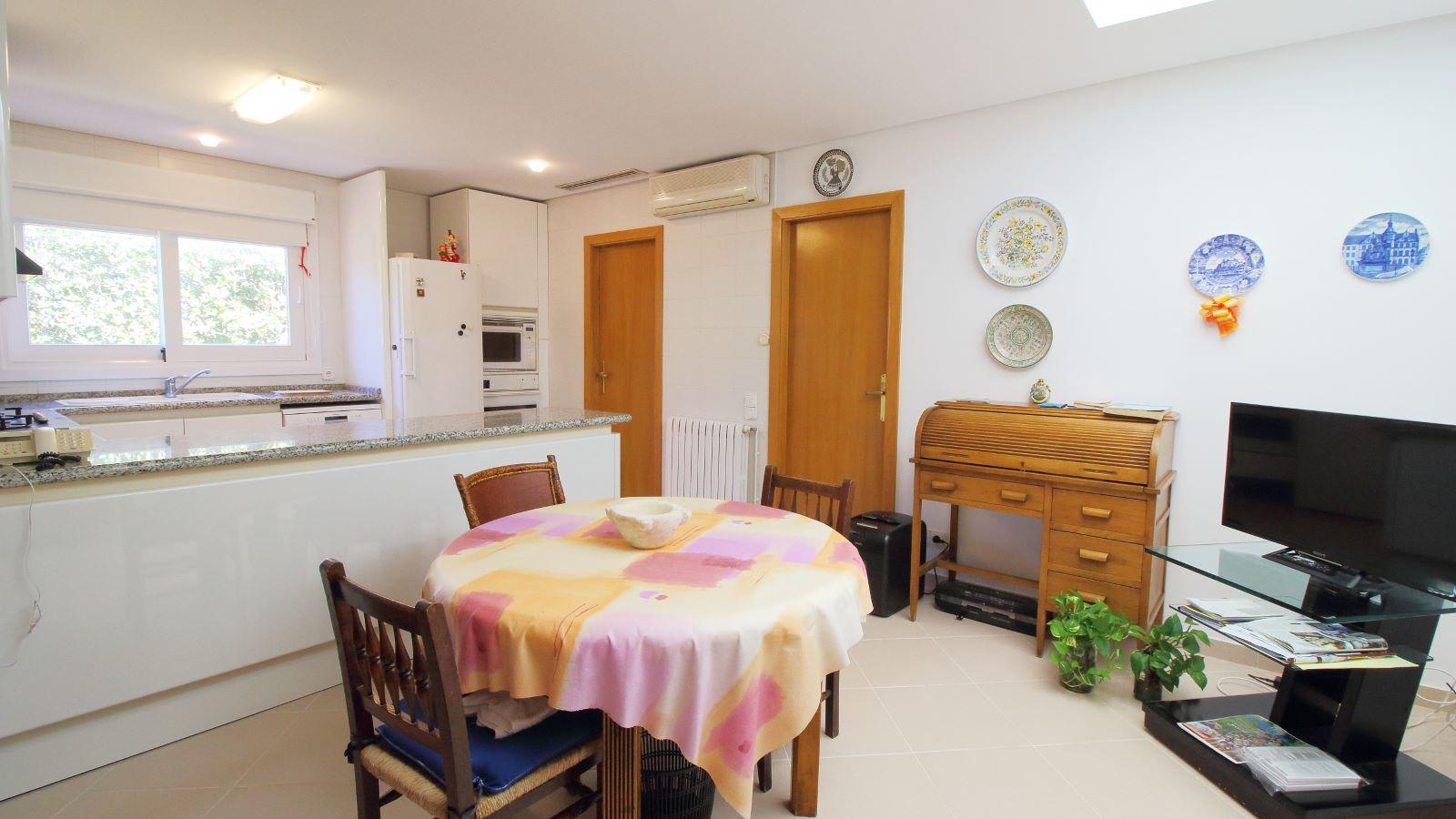 Villa in Arenal d'en Castell Ref: V2147 19
