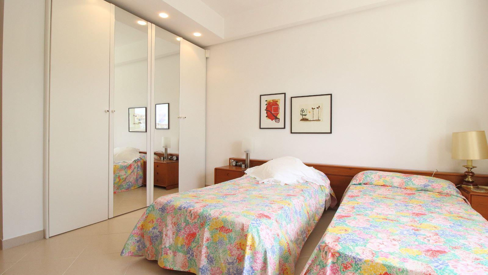 Villa in Arenal d'en Castell Ref: V2147 28