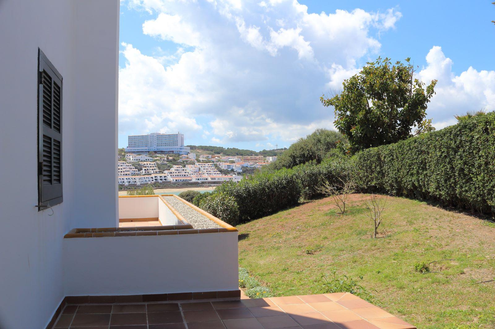 Villa in Arenal d'en Castell Ref: V2147 32