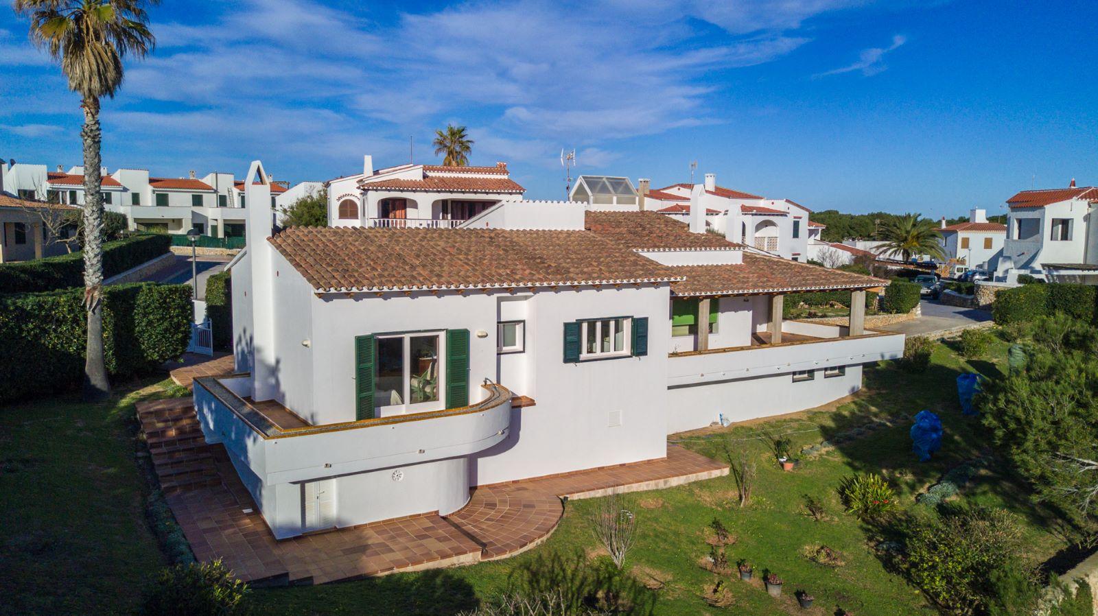 Villa in Arenal d'en Castell Ref: V2147 3