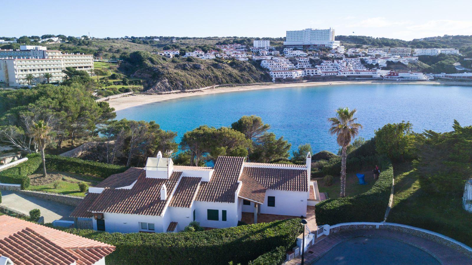 Villa in Arenal d'en Castell Ref: V2147 33