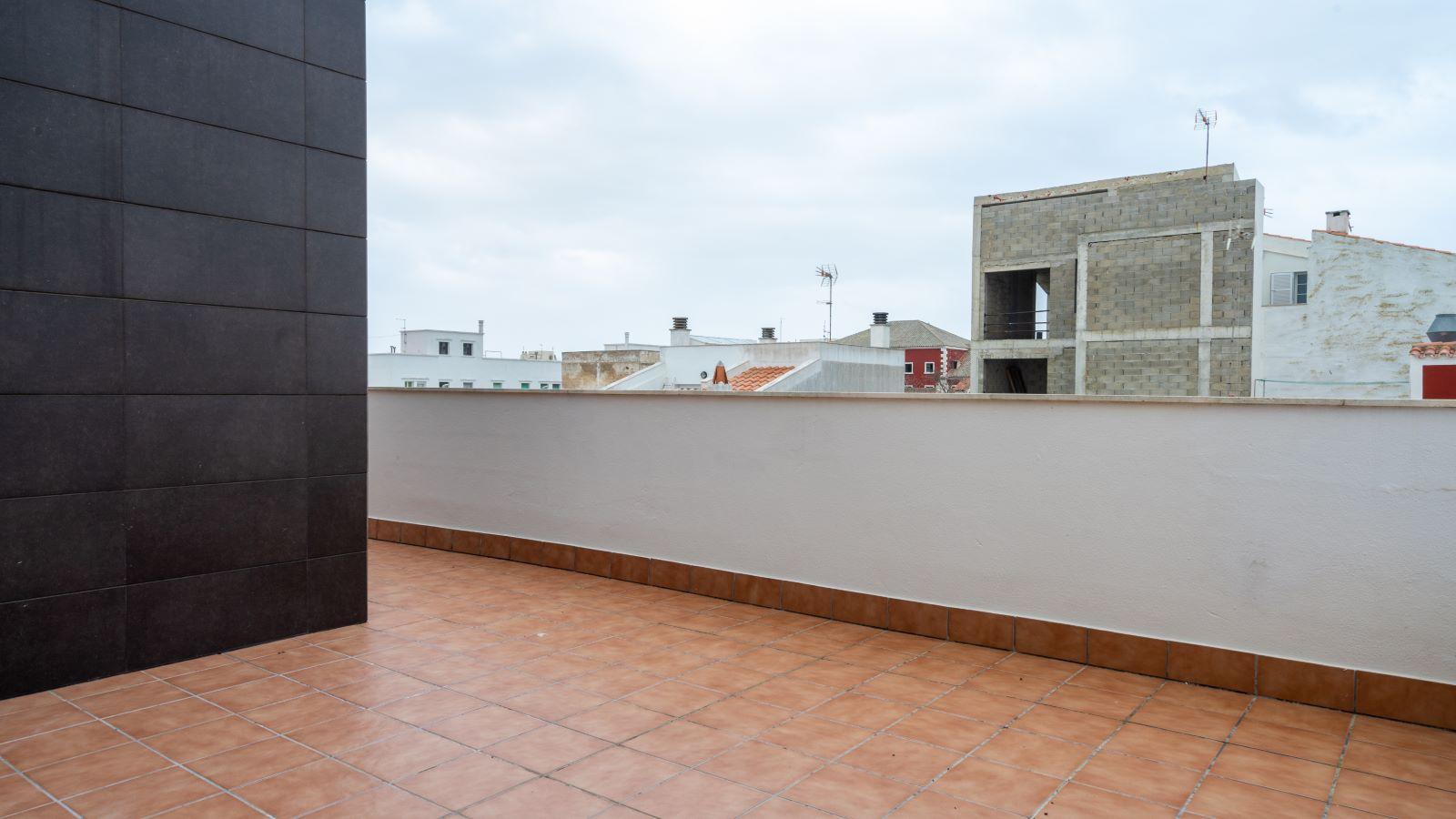 Wohnung in Es Castell Ref: V2138 (16) 12