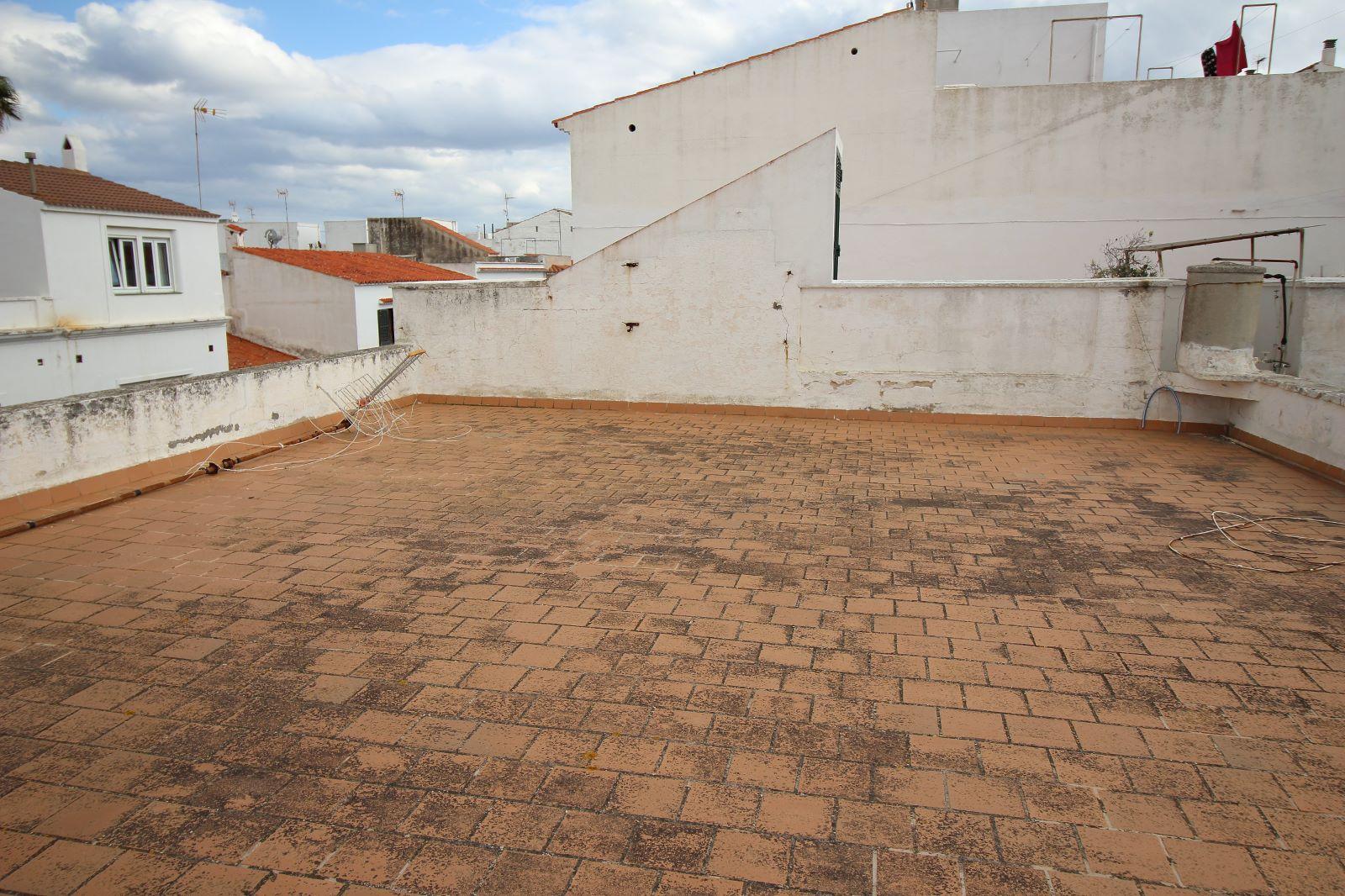 Mehrfamilienhaus in Es Castell Ref: V1020 6