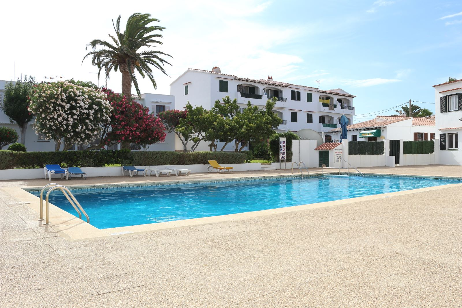 Apartment in Cala'n Porter Ref: V2359 1