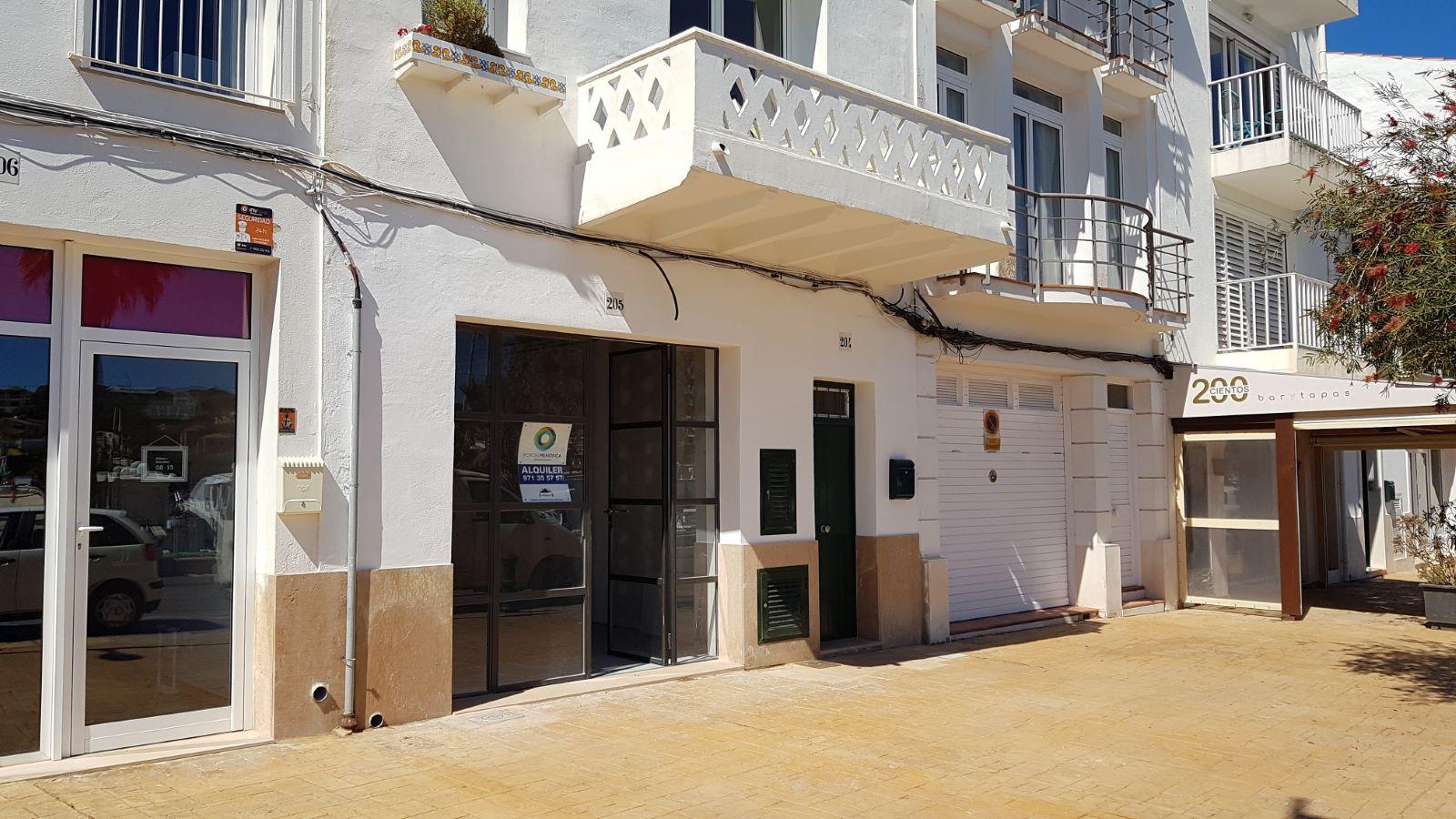 Local comercial en Mahón Ref: V2406 2