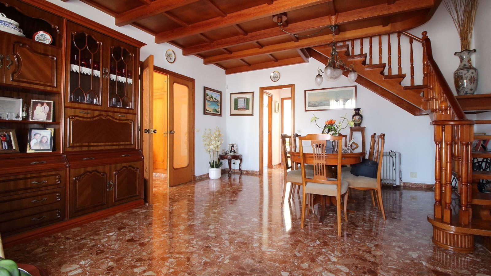Einfamilienhaus in Mahón Ref: V2438 5