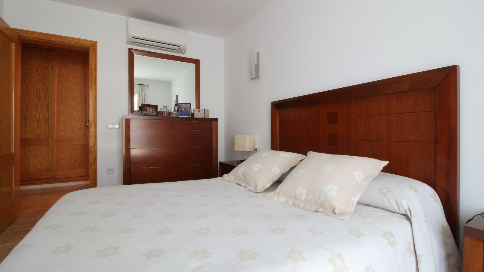 Villa in Cala Llonga Ref: V2580 19