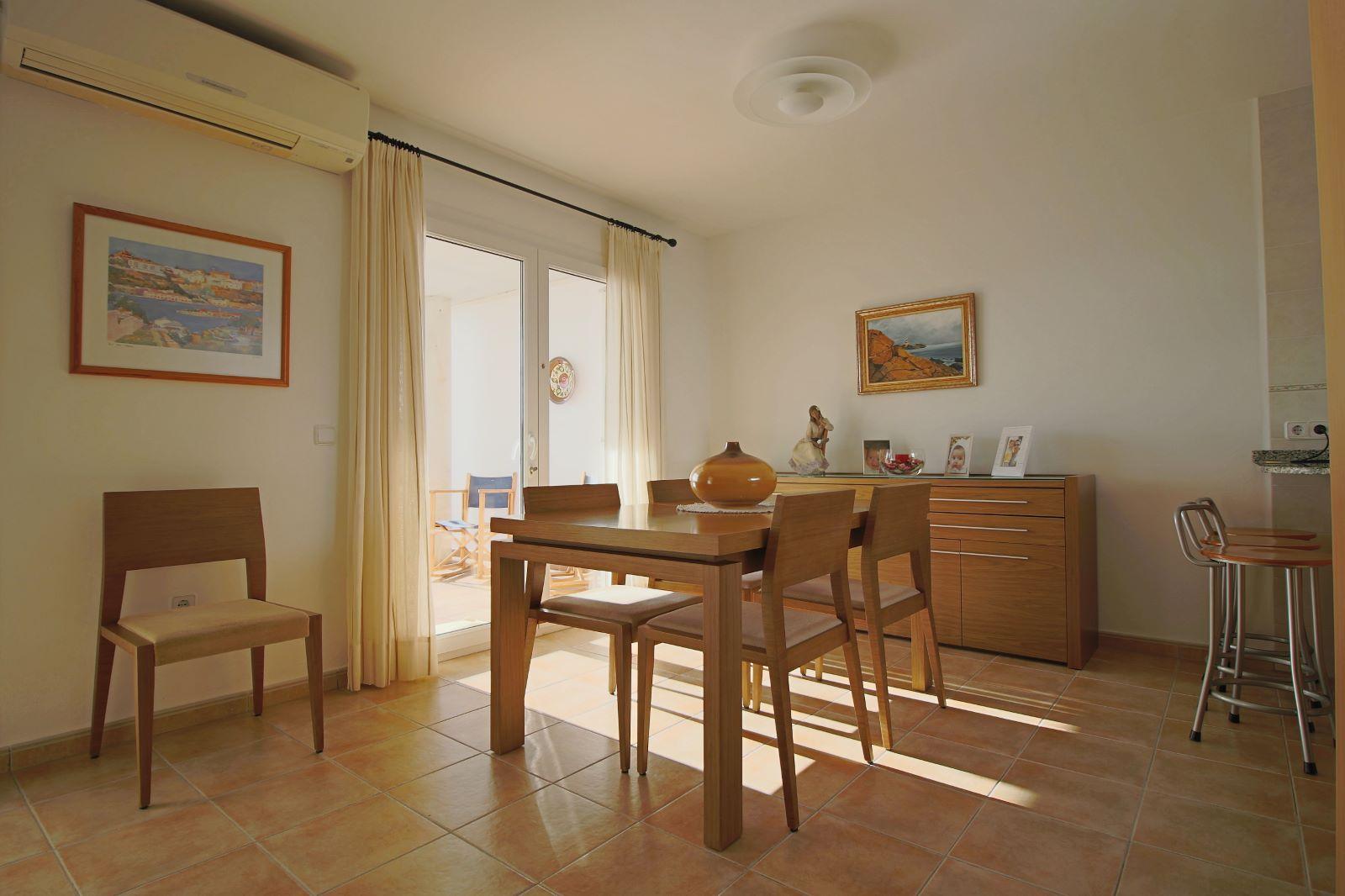 Villa in Cala Llonga Ref: V2580 14