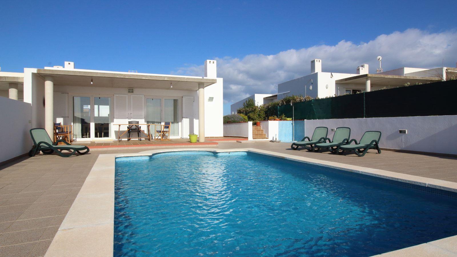 Villa in Cala Llonga Ref: V2580 1