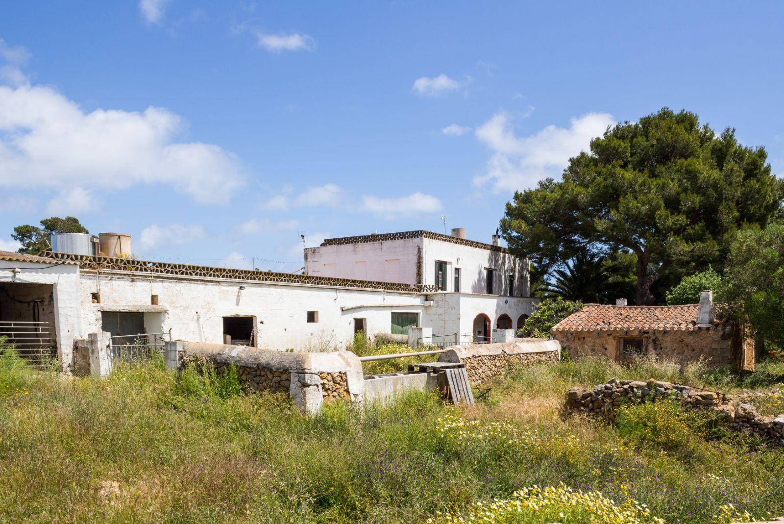 Agricultural property in Es Mercadal Ref: V2600 3