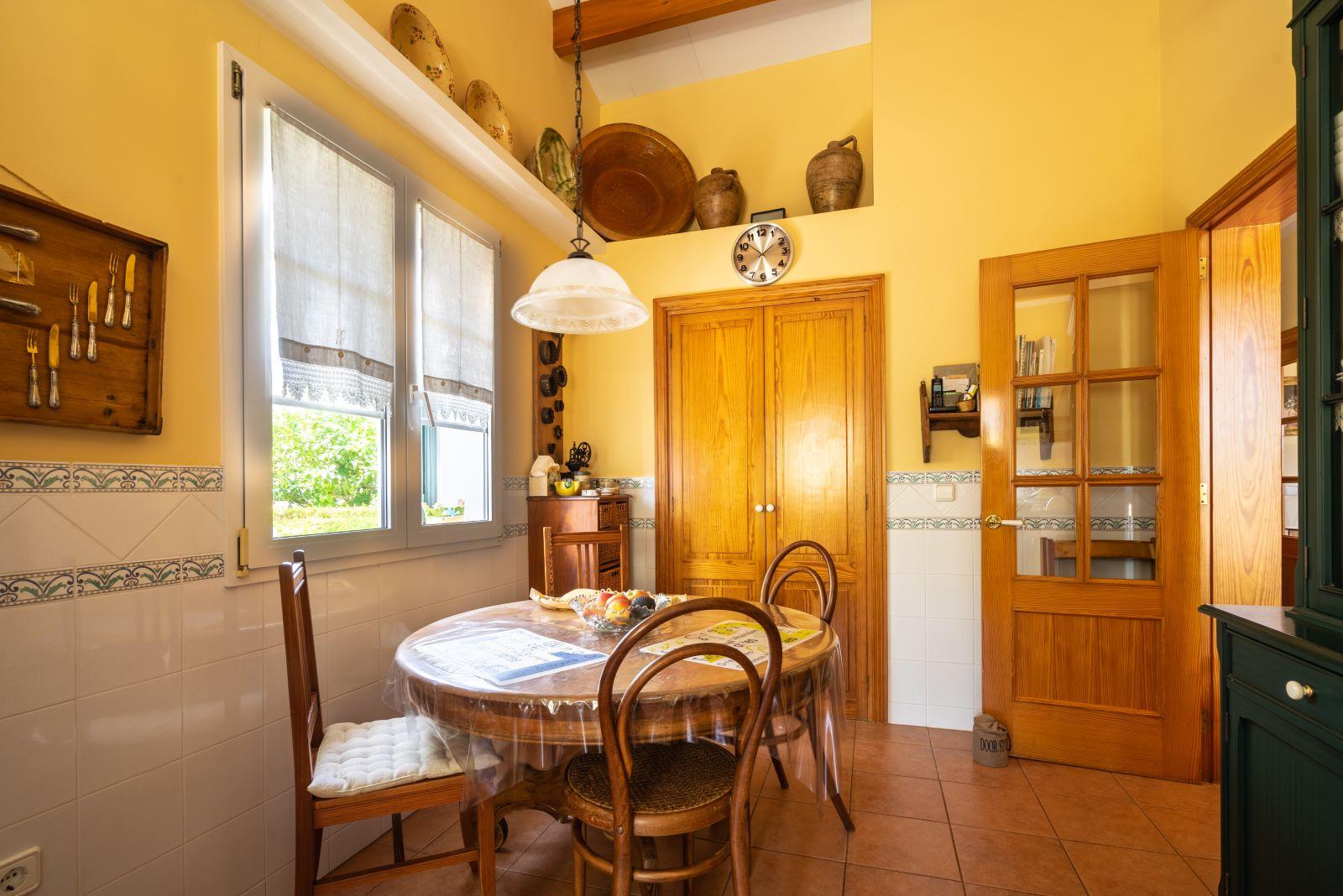 Villa in Binixica Ref: V2643 14