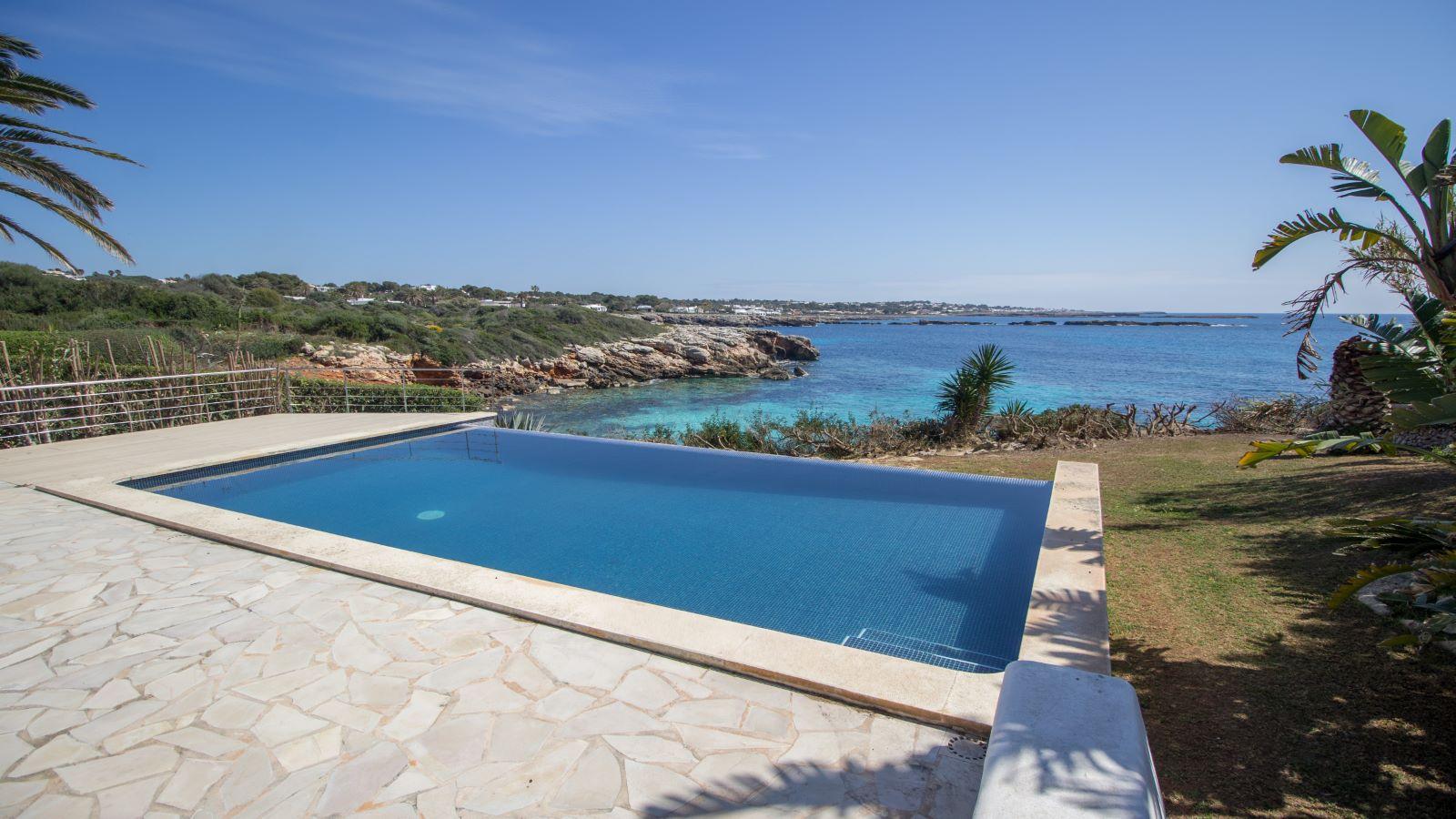 Villa in Cap d'en Font Ref: S2705 37
