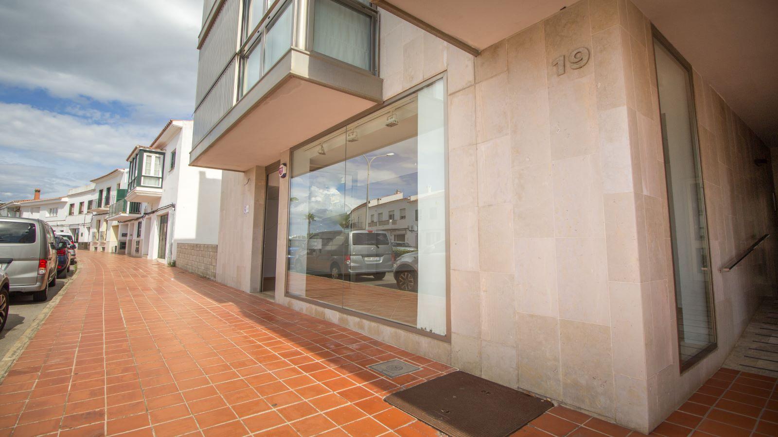 Local comercial en Sant Lluís Ref: S1715 8