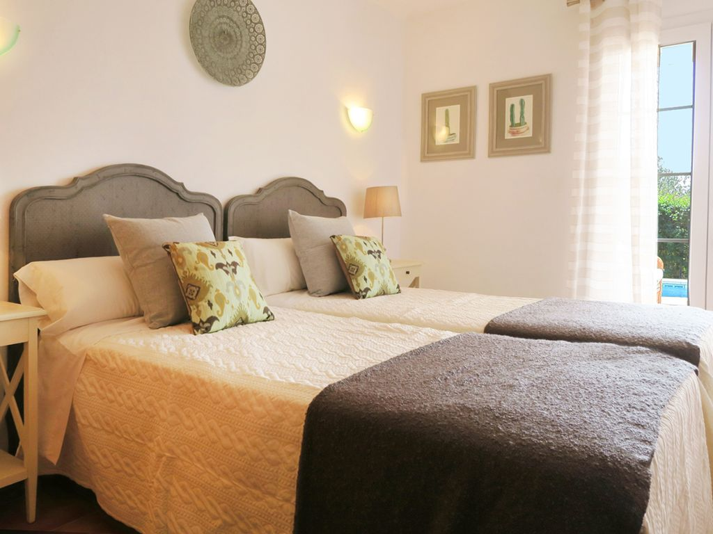 Villa in Cala Llonga Ref: S2389 24