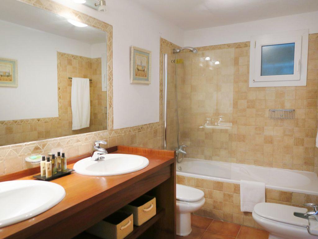 Villa in Cala Llonga Ref: S2389 27