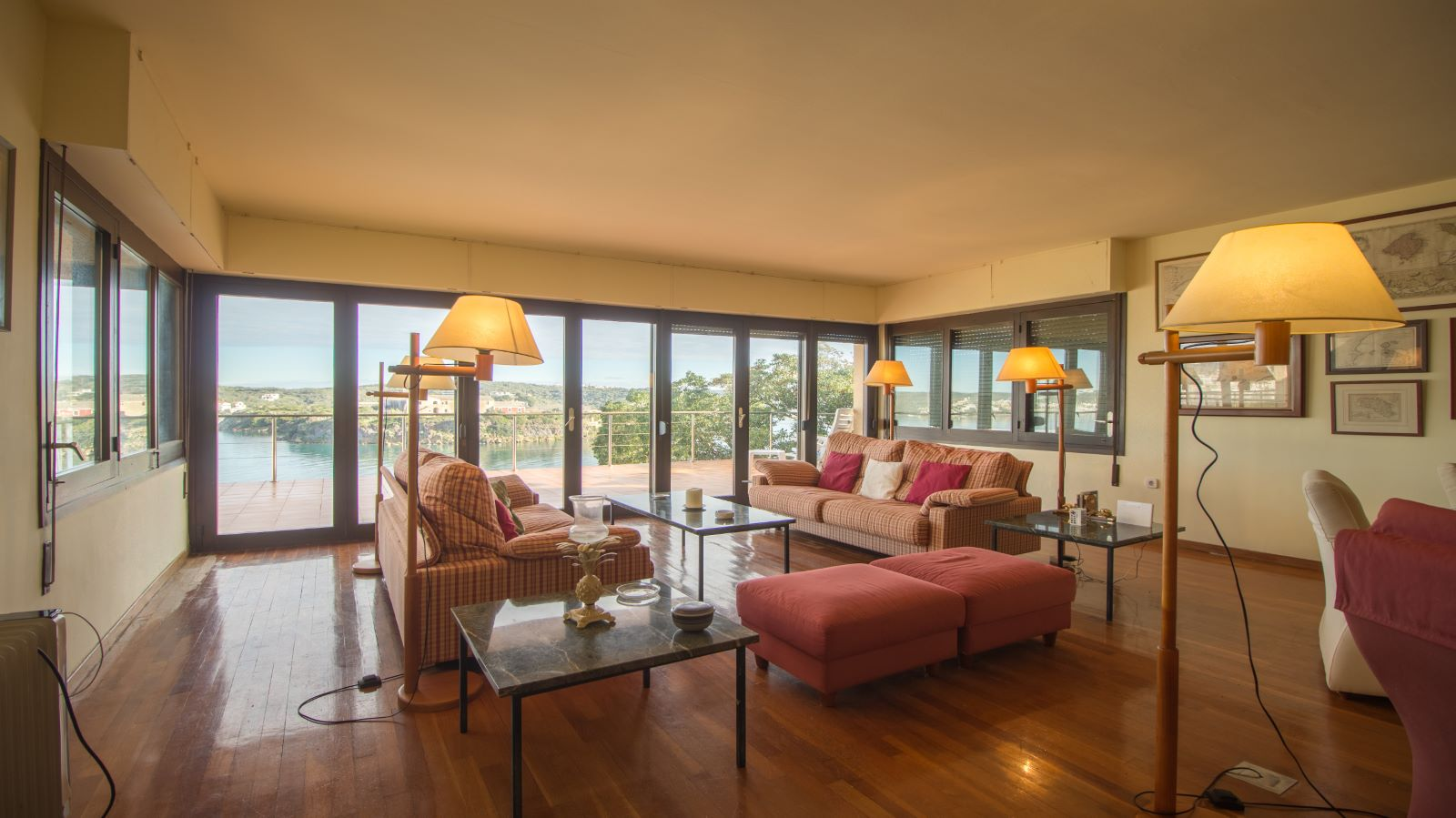 Villa in Es Castell Ref: SM2409 10