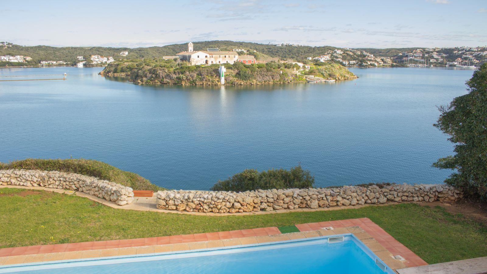 Villa in Es Castell Ref: SM2409 30