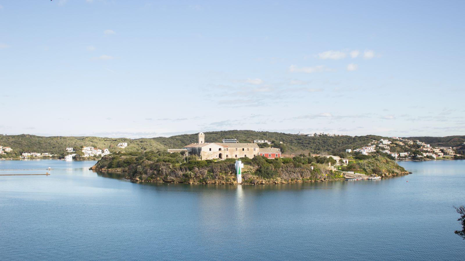 Villa in Es Castell Ref: SM2409 45