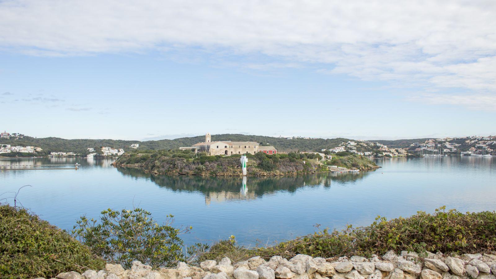 Villa in Es Castell Ref: SM2409 47